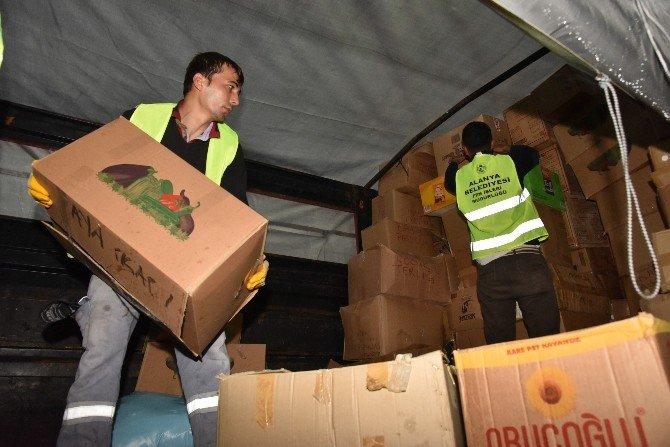Alanya Belediyesi Yardım Tır'ları Türkmenlere Ulaştı