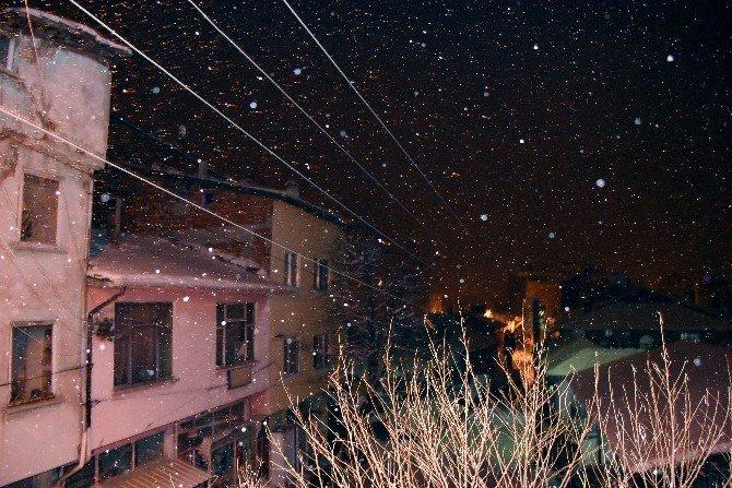 Dursunbey'de Eğitime Kar Engeli