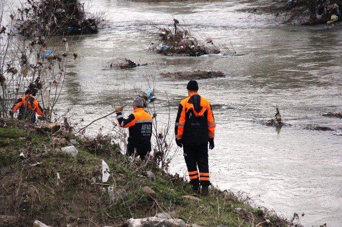 Irmakta Kaybolan Avcıyı Arama Çalışmaları Devam Ediyor