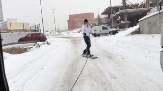 Oto Sanayisinde Snowboard Keyfi