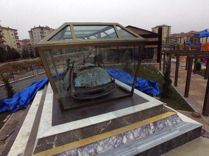 Uğur Mumcu'nun Otomobili Adının Verildiği Parkta Sergilenecek