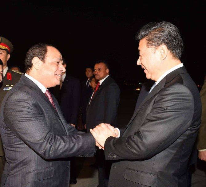 Çin Cumhurbaşkanı Xi, Mısır ziyaretinde 15 milyar dolarlık anlaşma imzaladı
