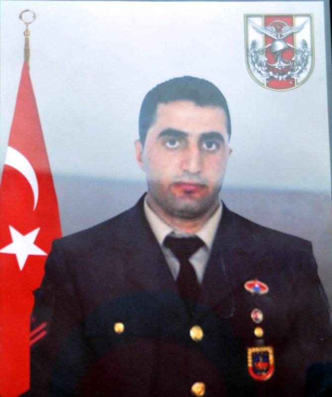 Şehit Uzman Çavuş Ali Şahin memleketi Manisa'da defnedildi