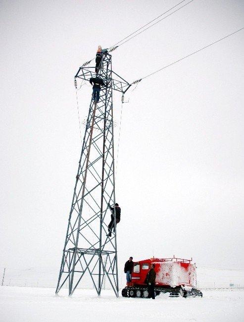 EDAŞ İşçilerinin Kar Ve Tipi Çilesi