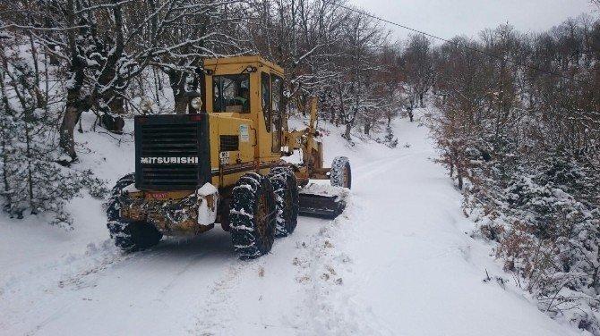 Kar Yağışı Balıkesir-kütahya Yolunu Ulaşıma Kapadı