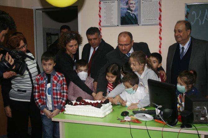 Ege Çocuk Hastanesi'nde karne heyecanı