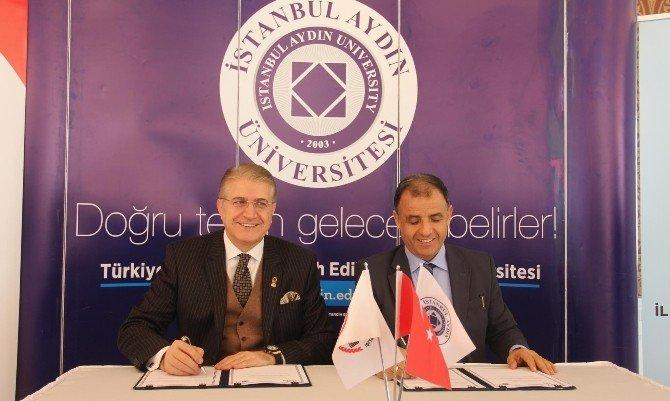 Mem Ve İAÜ 'Akademisyenler Okullarda' Projesini İmzaladı