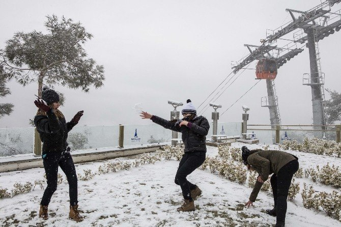İzmir'de Kar Keyfi Başka Oluyor