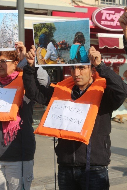 Avrupa, İzmir Ve İstanbul, Mültecilerle Dayanışmaya Çağırıyor