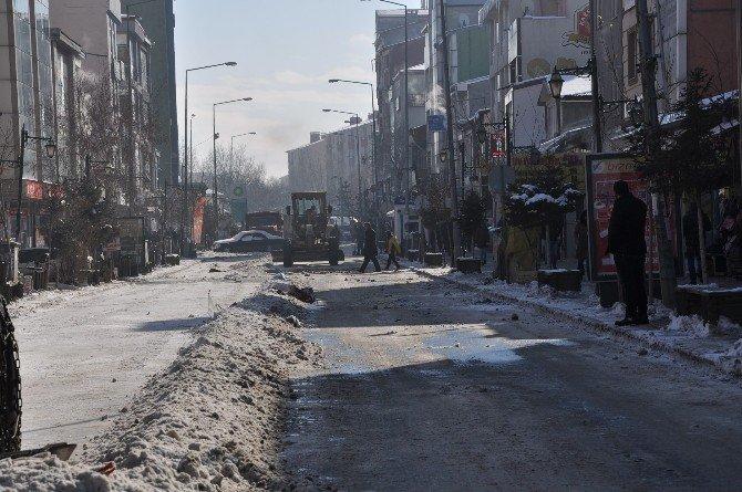 Kars Belediyesi'nin Kar Mesaisi