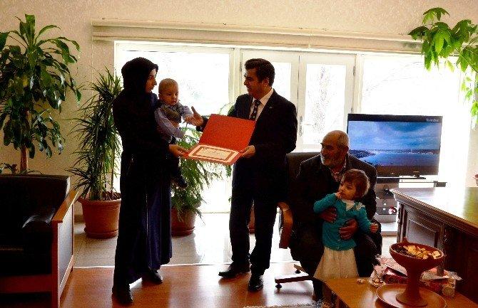 Cumhurbaşkanının Talimatıyla Kayserili Şehidin Ailesine Ev