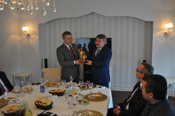 Kütahya İl Emniyet Müdürü Gülnaz'dan Şahin'e Nezaket Ziyareti