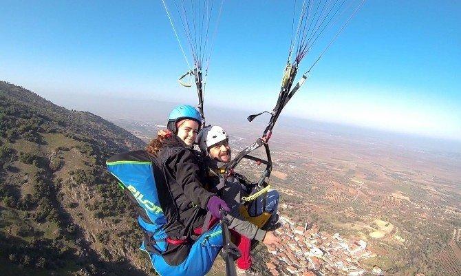 Saruhanlı'da Yamaç Paraşütü Sporu Yapılacak