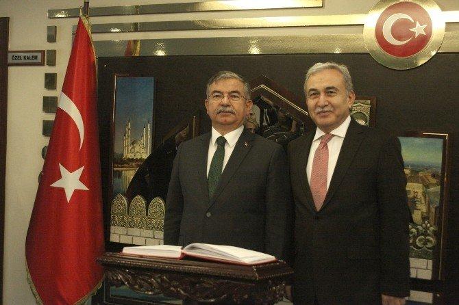 Bakan Yılmaz Adana'da