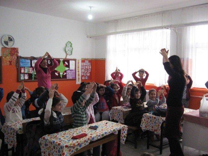 Minik Öğrencilerden Kardeş Sınıf Etkinliği