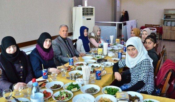 """""""Gençlik Merkezi Suriyeli Kardeşlerimizle Kültür Ve Sporda Buluşuyor"""" Projesi"""
