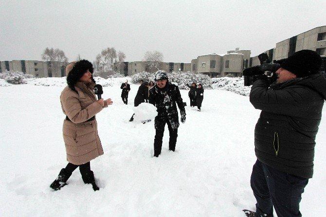 Mecliste Karın Tadını Gazeteciler Çıkardı