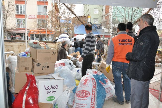 Tunceli'den Sur, Cizre ve Silopi'ye yardım