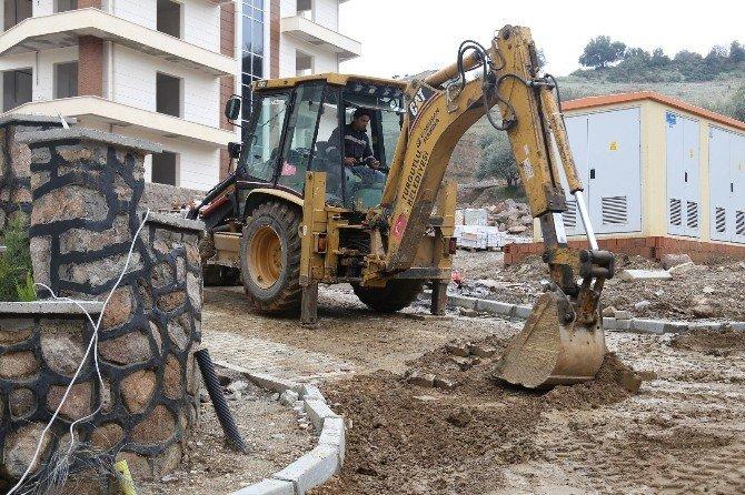 Mahalle Sakinleri Yenilenen Yollara Kavuşuyor