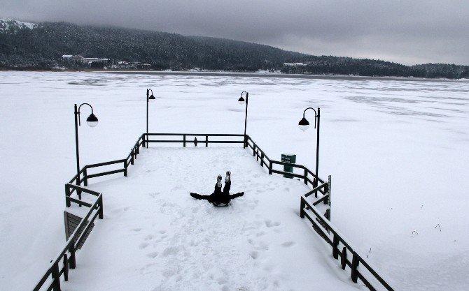 Abant Gölü Dondu