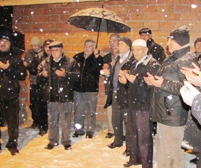 Hisarcık'ta Yılın İkinci Umre Kafilesi Dualarla Uğurlandı