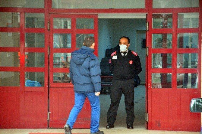 Yaşlı Kadın Domuz Gribi Şüphesiyle Hastaneye Kaldırıldı