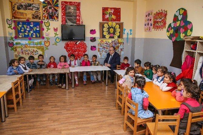 2 Bin 705 Minik Öğrenci İlk Defa Karne Almanın Mutluluğunu Yaşadı