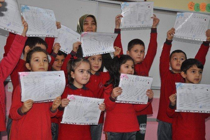 Giresun'da Yaklaşık 79 Bin Öğrenci Karne Alarak Yarı Yıl Tatiline Girdi