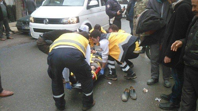 Askeri Araçla Motosikletle Çarpıştı: 1 Yaralı