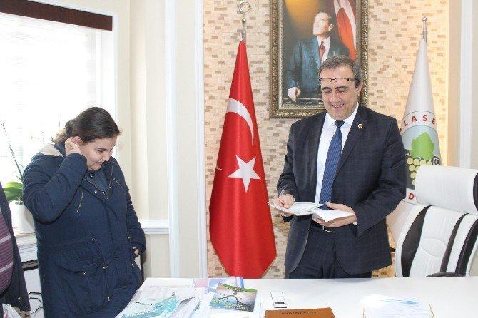 Karnesini Alıp Başkan Karaçoban'a Koştu