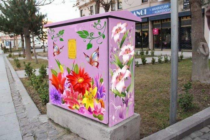 Avanos'ta Elektrik Panoları Çiçek Açtı