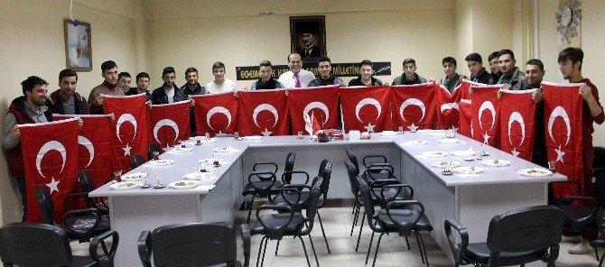 Başkan Ozan'dan Askere Gidecek Gençlere Anlamlı Hediye