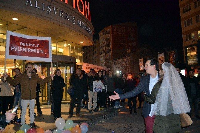 Bursalı Genç Sağ Gösterip Sol Vurdu