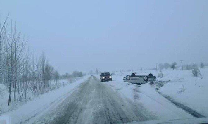 Buzlanma Trafik Kazasına Neden Oldu: 1 Yaralı