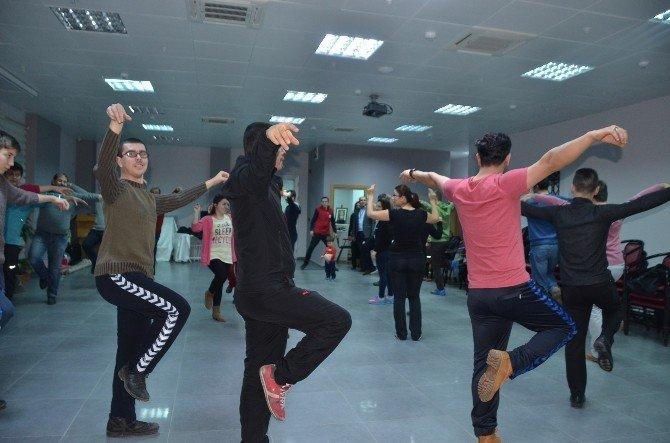 Bozüyük Belediyesi Kuruluştan Kurtuluşa Halk Oyunları Topluluğu Çalışmaları Başladı