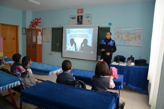 Öğrencilere, Çocuk Polis Kimliği Verildi