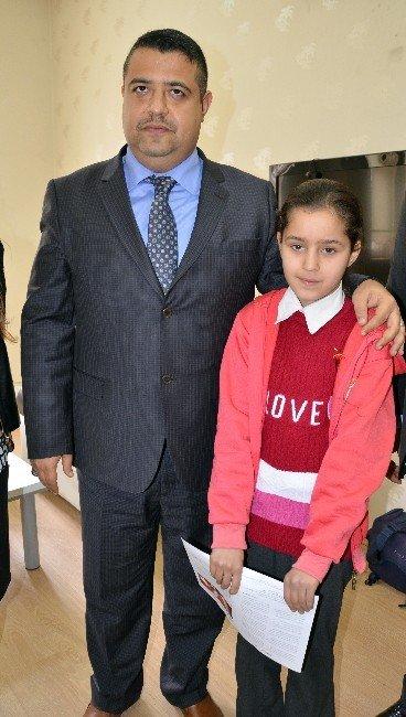 Altın Kalpli Siverekli Öğrenci Ebru Keskiner Karnesini Aldı