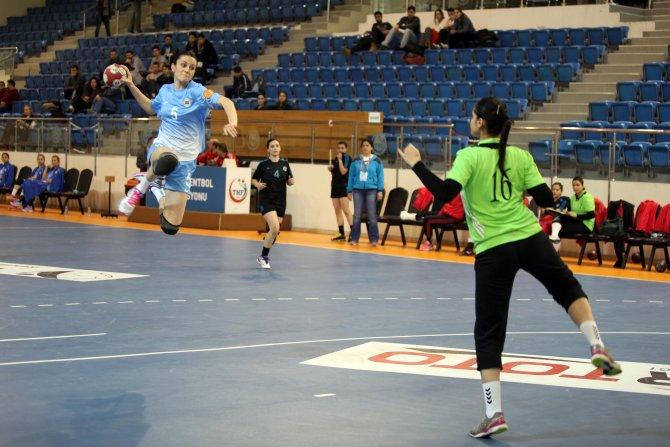 Yenimahalle Belediyesi'nden hentbolde farklı galibiyet