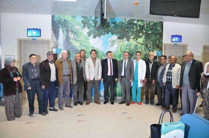 Elmalı Devlet Hastanesi'nde Fako Yöntemi İle Dikişsiz Katarakt Ameliyatı
