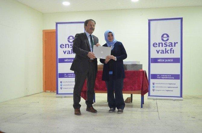 Ensar Vakfı TEOG'da Birinci Olan Öğrenciyi Ödüllendirdi