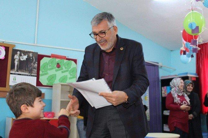 Başkan Bozkurt Karne Dağıttı