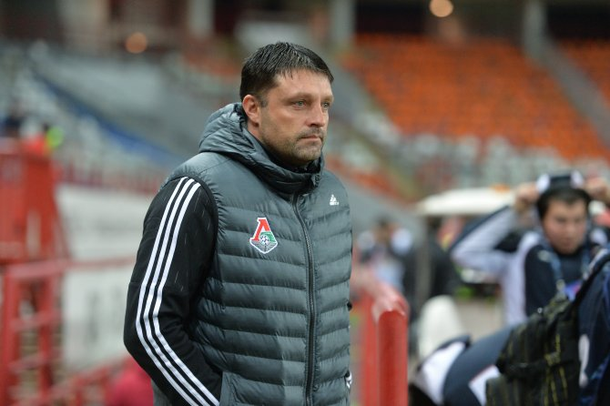 Lokomotiv Moskova'nın hocası: Türkiye'de soyunma odasında kalmamız söylendi