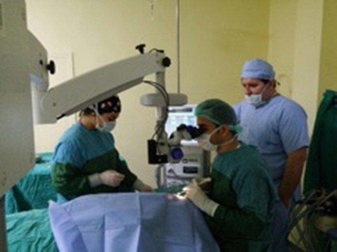 Ceylanpınar İlçesinde İlk Defa Katarak Ameliyatı Düzenlendi