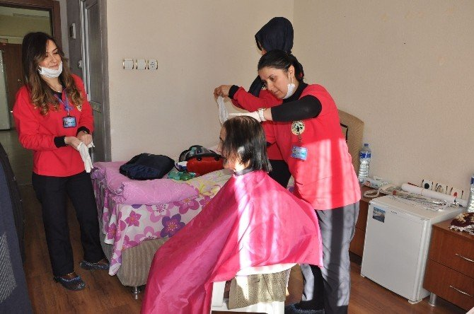 Nazilli Belediyesinden Huzurevi Sakinlerine Kişisel Bakım Hizmeti