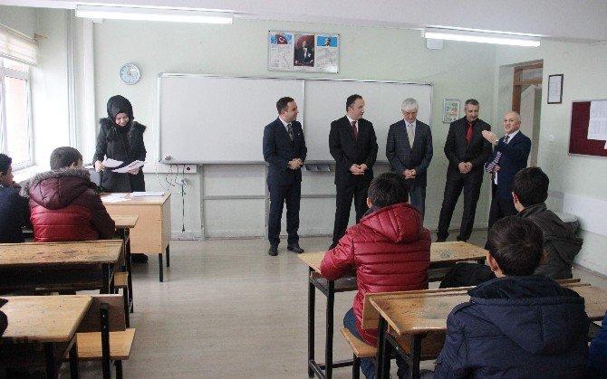 Milletvekili İshak Gazel Mezun Olduğu Okulda Karne Dağıtım Törenine Katıldı