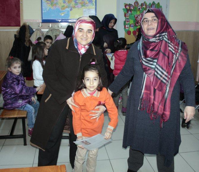 Kayseri'de 283 bin öğrenci karnelerini aldı