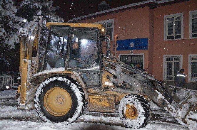 Kırıkkale Belediyesi'nde Kar Mesaisi