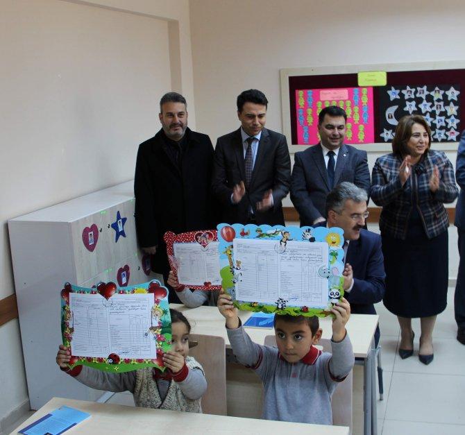 Aydın'da yaklaşık 175 bin öğrenci karne aldı