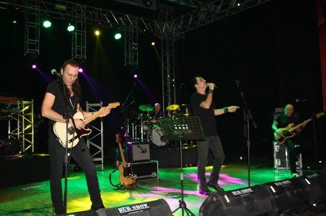Barış Manço, Şarkılarıyla Anıldı