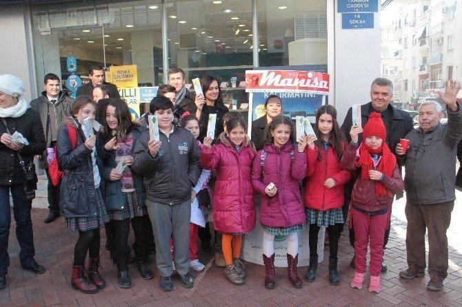 Başkan Ergün'den Akhisarlı Çocuklara Karne Hediyesi